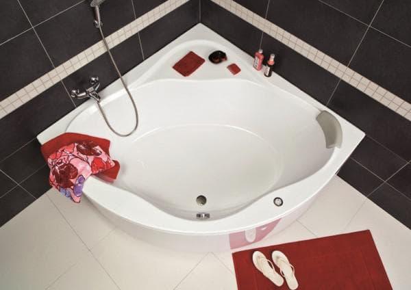 угловая ванная от Ravak