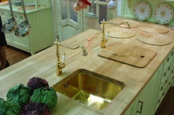 мойка для кухни из дерева