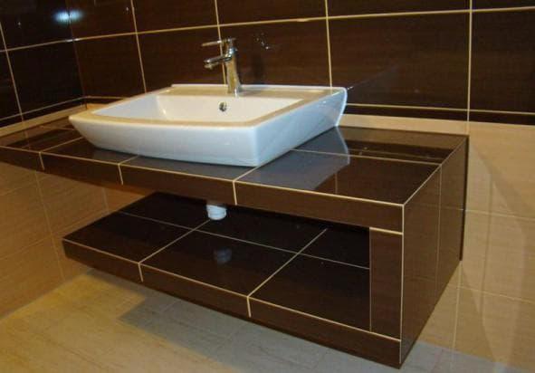 столешница из керамики в ванную комнату
