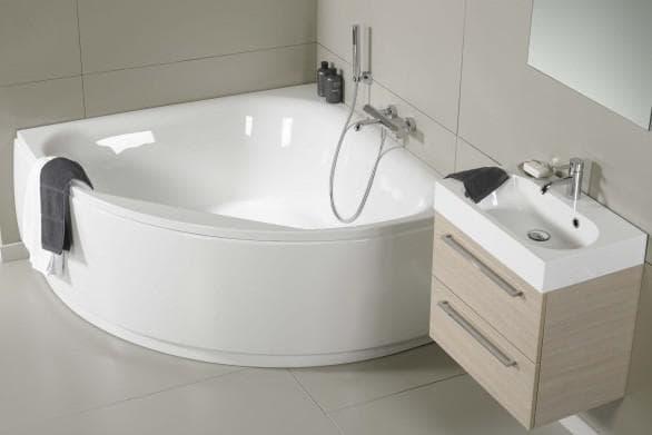 угловая ванная из чугуна
