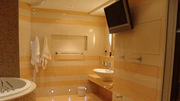 Порядок ремонта в ванной комнате и последовательность для туалета