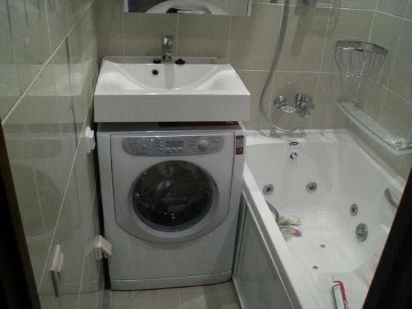 раковина и стиральная машинка вместе