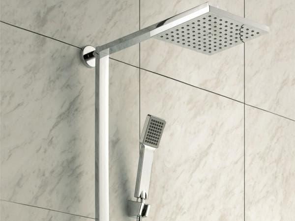 смеситель для ванной с тропическим душем