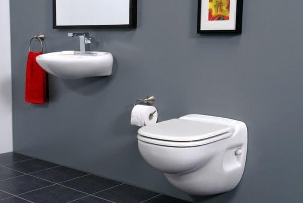 подвесная маленькая раковина в туалет