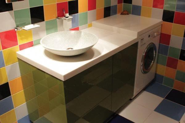 раковина из пластика в ванную комнату